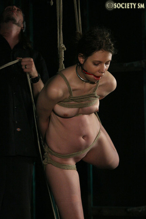 Brunette roped, suspended, racked and to - XXX Dessert - Picture 3