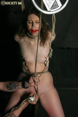 Brunette roped, suspended, racked and to - XXX Dessert - Picture 6