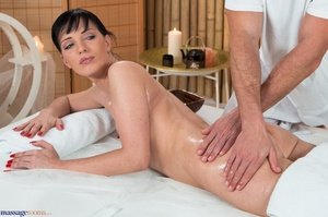 Slim tattooed brunette enjoys hot oiling - XXX Dessert - Picture 4