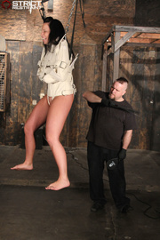 hot chick gets hanged
