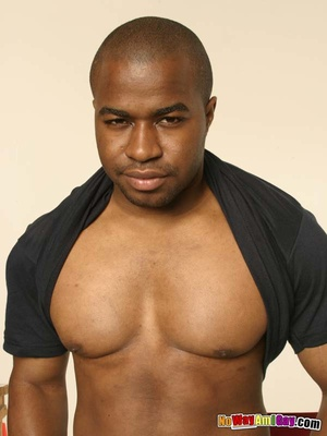 Black guy with muscular build shows of h - XXX Dessert - Picture 5