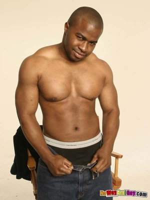 Black guy with muscular build shows of h - XXX Dessert - Picture 6