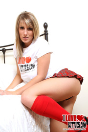 blue eyed blonde with