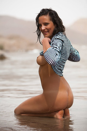 hot-shaped babe poses the
