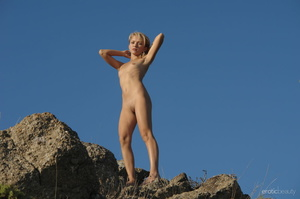 Her stunning naked silhouette is looking - XXX Dessert - Picture 12
