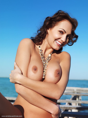 Busty brunette with an elegant naked bod - XXX Dessert - Picture 7