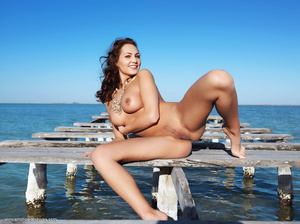 Busty brunette with an elegant naked bod - XXX Dessert - Picture 8