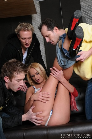 Four elegant brunettes and three blondes - XXX Dessert - Picture 5