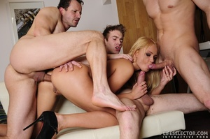 Four elegant brunettes and three blondes - XXX Dessert - Picture 7