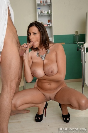 Hot milf with huge tits gets fucked by t - XXX Dessert - Picture 12