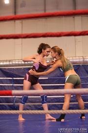 blonde and brunette wrestle