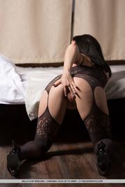 curvy brunette lace spreads