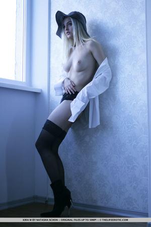 Lovely girl in black lingerie lies back  - XXX Dessert - Picture 5