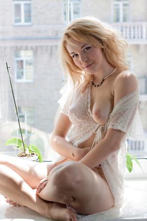 Cool erotic blonde in white negligee mod - XXX Dessert - Picture 1