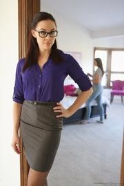 brunette glasses and blue