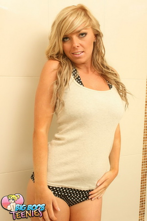 Blonde temptress in white top and black  - XXX Dessert - Picture 1