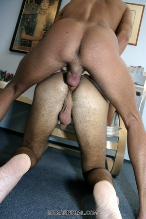 Handsome dude suck the dicks of two othe - XXX Dessert - Picture 11