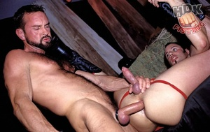 Handsome stud suck the dick of a hairy d - XXX Dessert - Picture 5