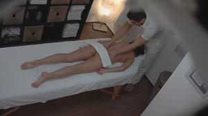 Professional masseur seduces a very slen - XXX Dessert - Picture 4