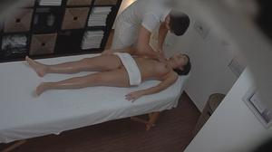 Professional masseur seduces a very slen - XXX Dessert - Picture 6