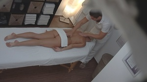Bleached goddess is lying naked and enjo - XXX Dessert - Picture 5