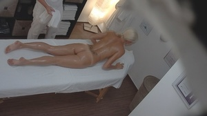 Bleached goddess is lying naked and enjo - XXX Dessert - Picture 7