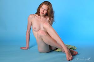 Brunette with blue eyes in green night g - XXX Dessert - Picture 10