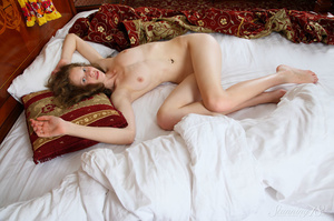 Girl with beautiful hair and a bottom be - XXX Dessert - Picture 11