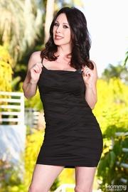 tall curvy brunette black