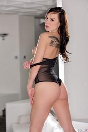 fair brunette mesh black