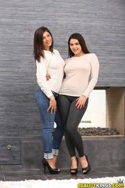 round ass brunette gals