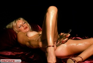 Naked blonde expose her sexy oil filled  - XXX Dessert - Picture 14