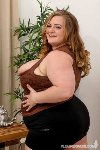 cute bbw slowly strips