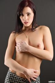 hot damsel white bra
