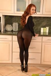 sparkling ginger milf black