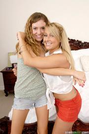 brunette and blonde lesbians