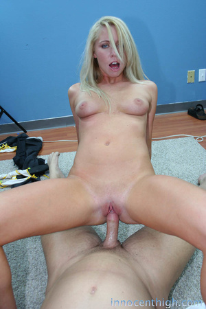 Blue eyed blonde babe with smoking hot b - XXX Dessert - Picture 7