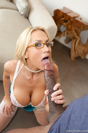 Alluring blonde babe with big tits choke - XXX Dessert - Picture 10