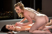 blonde gives sensual massage