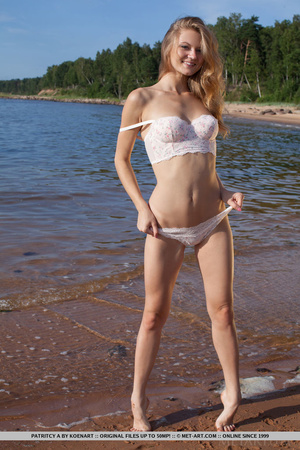 Seductive blonde in white lacy top and p - XXX Dessert - Picture 4