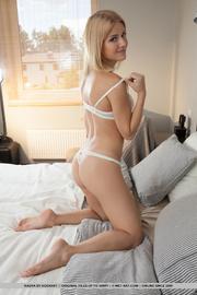 blonde bitch enjoys showing