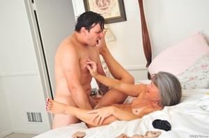 Small tits old woman tastes cum on her k - XXX Dessert - Picture 3