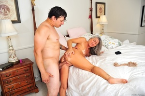 Small tits old woman tastes cum on her k - XXX Dessert - Picture 5