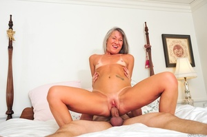 Small tits old woman tastes cum on her k - XXX Dessert - Picture 11