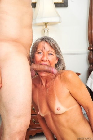 Small tits old woman tastes cum on her k - XXX Dessert - Picture 13