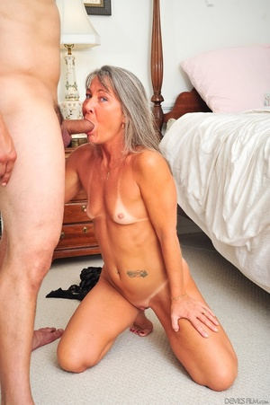 Small tits old woman tastes cum on her k - XXX Dessert - Picture 14