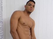 latin gay leigthonn like