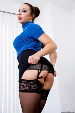 Brown haired brunette in black lingerie  - XXX Dessert - Picture 7