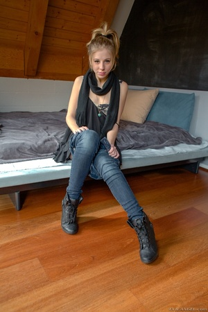 Blonde teen removes her black pants and  - XXX Dessert - Picture 6