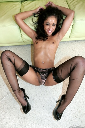 Tattooed black in fishnets loves to blow - XXX Dessert - Picture 15